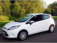 Ford Fiesta 1.2, Only 43,000 miles, Full service History (2012- Reg) 3 Door, White