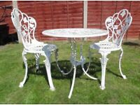 (#854) garden metal aluminium bistro table and 2 chairs (Pick up only, Dy4 area)