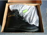 Safety work boots size 11 BNIB