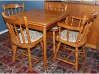 Vintage Pine Farmhouse Extending Dining Kitchen Table and 4 chairs
