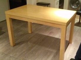 Oak Veneer 4ft Dining Table - £37
