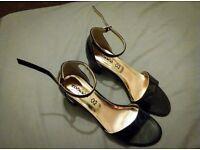 Black leather Italian sandals (UK 6/EU 39)