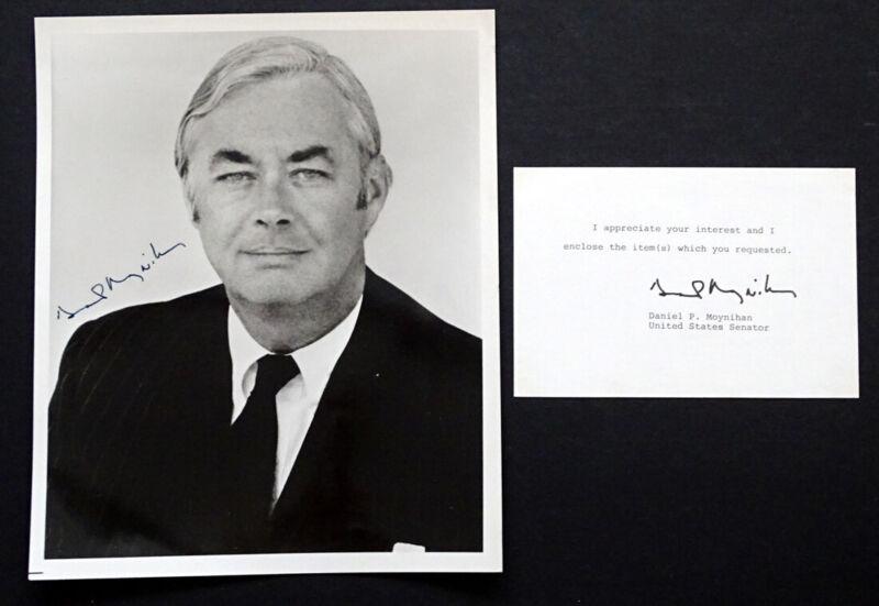 Ambassador US SENATOR DANIEL P MOYNIHAN Original SIGNED AUTOGRAPH Photo NEW YORK