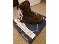 British army haxi dessert boots size 9