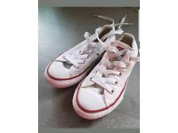 2x pairs of converse kids size 10