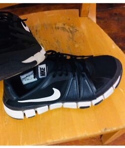 Nike sport shoes, Hardly even wore it. Size 10, Mens