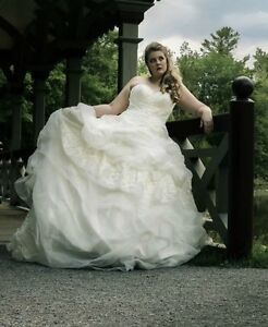 *Last Chance!* $4000 Eddy K Wedding Dress