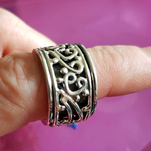 Decorative Meditation Spinner Ring