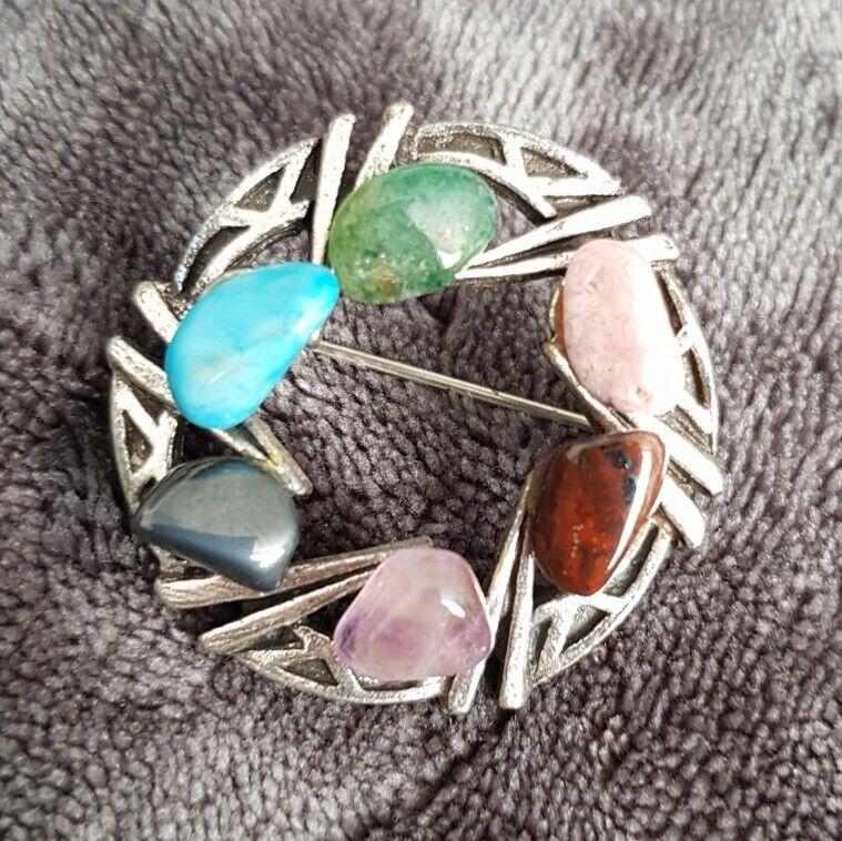 VINTAGE Scottish Theme Brooch Pin Silvertone multicolored agate Stone chips