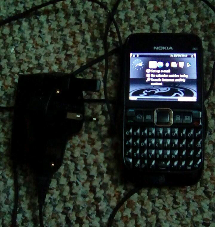 Nokia E63 3G/Wi Fi Smartphonein Bath, SomersetGumtree - Nokia qwerty business smartphone with wif fi/bluetooth and 3G, great for emails, facebook, whatsapp, writing and reading documents, compatible with windows office