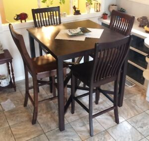 Pub Style Solid Wood Kitchen Table & 4 Chairs  Great Condition