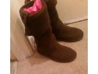 RELISTED Genuine brown knit Ugg Boots Size 4.5 Great Condition