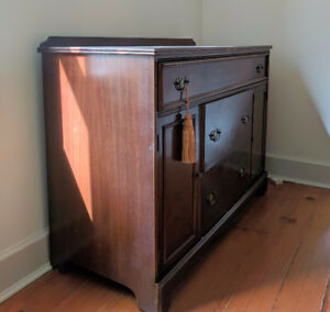REDUCED $ - Mahogany Buffet Sideboard