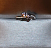 SPECIAL GIFT! DIAMOND ACCENT 10KT GOLD DOUBLE HEART RING