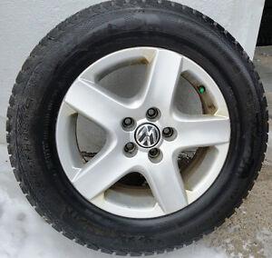 4 mags vw pneus 215-65-16,  Bolt pattern 5 x112 mm,  j'ai vends