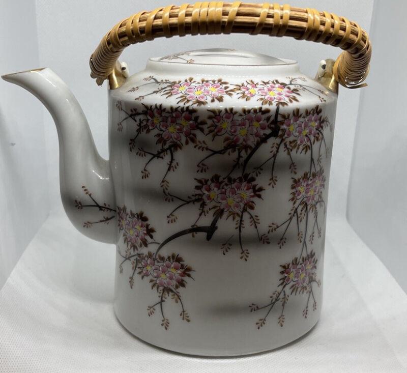Japanese Porcelain Kutani Sakura Cherry Blossoms Teapot Japan
