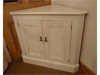 Pine corner cupboard by Yesterdays Pine. Excellent condition