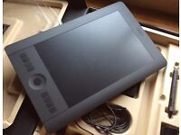 Wacom Intuos Pro Medium with all original packaging / contents