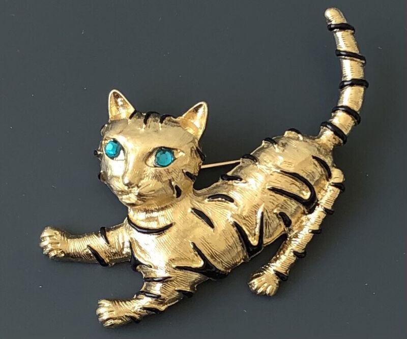 Vintage style  Cat  pin brooch enamel on  gold tone metal