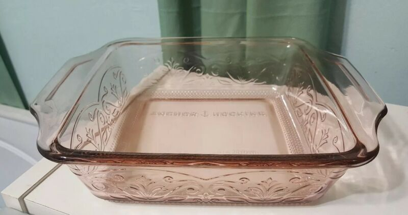 Anchor Hocking Square Baking bowl 8.25 x 8.25 x 2 pink Glass 2 Qt embossed
