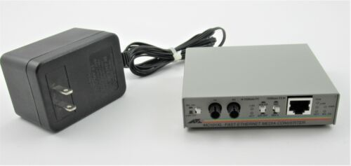 Allied Telesyn  AT-MC101XL   ATMC101XL  100BASE TX to FX (ST) Media Converter