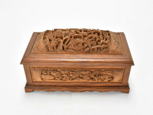Vintage Chinese Beautifully Intricate Wood Carved Card Case Box Hinged