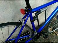 Road bike + strong lock+ light. Very good condition. Aluminium frame.