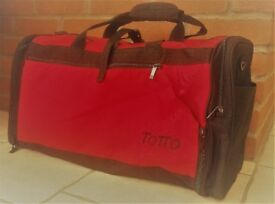 HOLDALL / SPORTS BAG RED