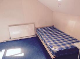 1 single bedroom for £210 per month all bills and wifi inclusive