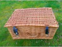 Small wicker hamper picnic basket