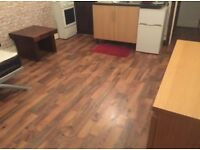 Furnished studio room to let in Aston £95 PW