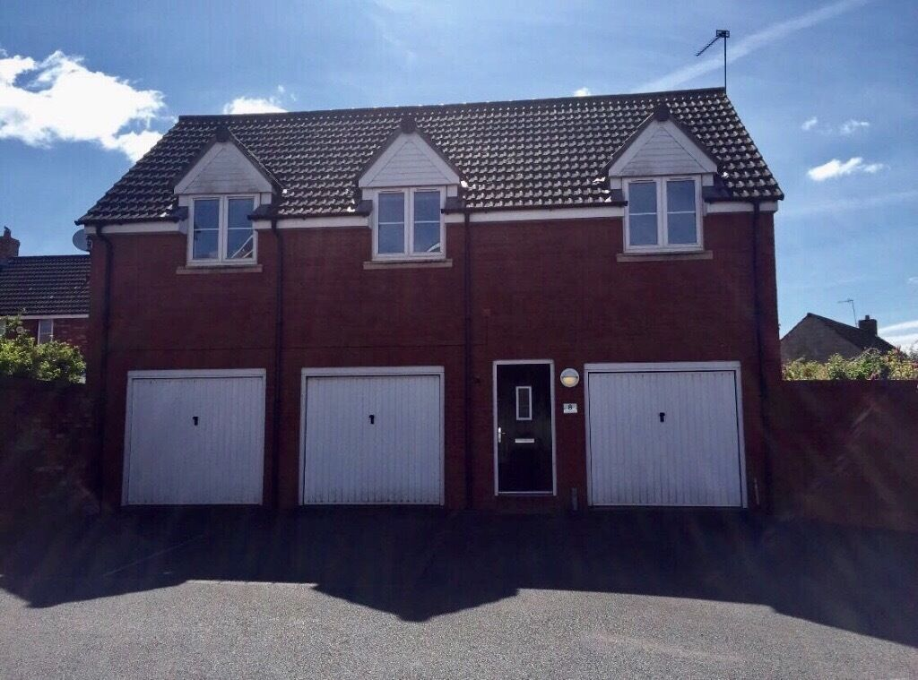 Detached 2 Double Bedroom Coach House With Garage