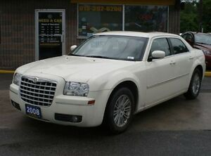 2008 Chrysler 300 Touring 3.5L 6CYL LOW MILEAGE!