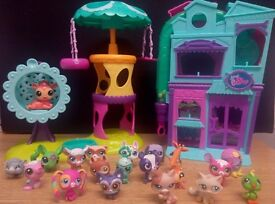 20 Littlest Pet Shop figures with 2 playsets in good condition