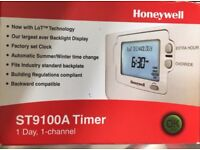 HONEYWELL ST9100A TIMER 1 DAY 1 CHANNEL BNIB £20