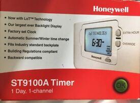 HONEYWELL ST9100A TIMER 1 DAY 1 CHANNEL BNIB £20