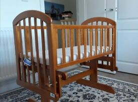 VIB Gliding Baby crib in oak brown in excellent condition