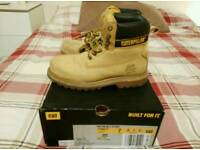 Size 6 Caterpillar men work boots holton sb 3