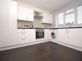 4 bedroom flat in Roseberry Gardens, Harringay