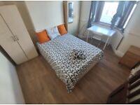 3 DOUBLE ROOMS IN HARRINGAY GREEN LANES - LIVING ROOM & GARDEN