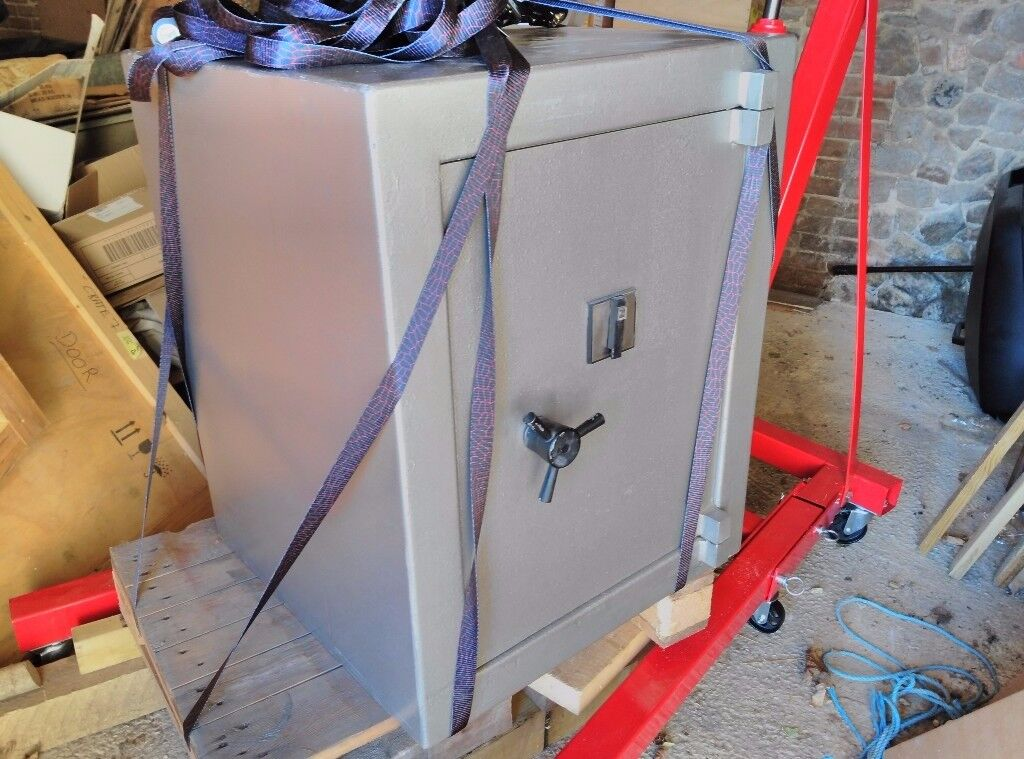 REDUCED price - TANN CONSORT II SAFE £3,000 CASH COVER