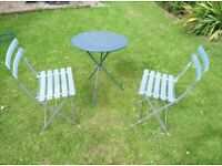 Garden table and 2 chairs - foldable