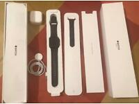 Apple Watch Series 3 Cellular - 42 mm Space Grey Aluminium with Black Sport Band