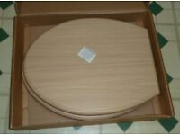 LIGHT OAK COLOUR TOILET SEAT IFLO FERRARA 721788, 034789 - NEVER FITTED STILL IN BOX