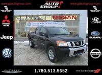 2013 Nissan Titan LOW KMS|BACK UP CAMERA