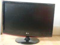 TV or computer screen 22 inch LG Flatiron with remote