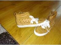 Zara size 5 ankle pumps