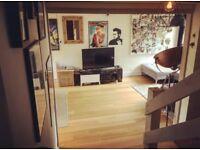 Rear double Bedroom facing large communal garden for rent, top floor maisonette in Walton-On-Thames