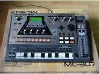 Roland groovebox mc307 midi sequencer/drum machine