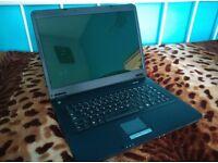 Advent 7211 laptop, 2gb windows xp wifi